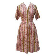 1950s floral shirtwaister vintage dress