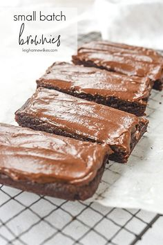 Craving brownies but don't want or need a whole pan? These small batch brownies are the answer! They are chewy and chocolatey and there is only enough for two! Brownie Desserts, Brownie Recipes, No Bake Desserts, Easy Desserts, Cookie Recipes, Dessert Recipes, Dessert For Two, Dessert Drinks, Dessert Bars