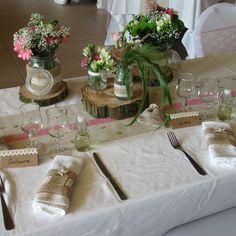 """24 mentions J'aime, 3 commentaires - Emilie Houlon (@lesbullesdemilie) sur Instagram: """"#mariage #mariagechampetre #toiledejute #dentelle #fleurs #weddingphoto #weddingtable #weddingday…"""""""