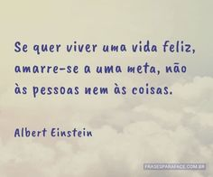Se quer viver uma vida feliz, amarre-se a uma meta, não às pessoas nem às coisas. (...) https://www.frasesparaface.com.br/se-quer-viver-uma-vida-feliz-amarre-se-a-uma/