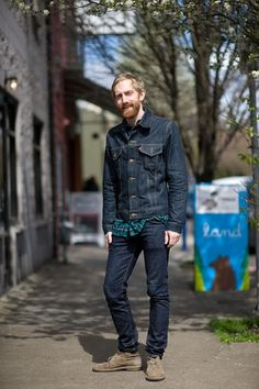 wearing double denim and mens desert boots Clarks Originals Desert Boot, Clarks Desert Boot, Desert Boots, Portland Street Style, Street Style Blog, Mod Suits, Double Denim, Men Style Tips, Men Street