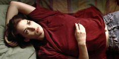 Das perfekte rote T-Shirt, das Winona Ryder in Reality Bites trägt   21 Outfits aus 90er-Filmen- und Serien, die Du heute anziehen würdest