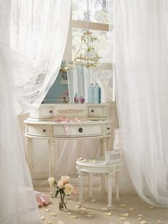 Adding That Perfect Gray Shabby Chic Furniture To Complete Your Interior Look from Shabby Chic Home interiors. Casas Shabby Chic, Shabby Chic Mode, Style Shabby Chic, Parisian Chic, My New Room, My Room, Vintage Vanity, Antique Vanity, Shabby Chic Furniture