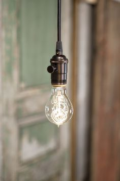 lucent_lamp_works_0318.jpg
