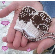 DIY Baby Owl Mittens - FREE Knitting Pattern / Tutorial 2019 Mini Motif Baby Mittens pattern by Lynnette Hulse Knitting For Kids, Baby Knitting Patterns, Free Knitting, Knitting Projects, Crochet Patterns, Baby Mittens, Knit Mittens, Mittens Pattern, Knit Or Crochet