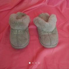 Uggs Slip On Shoes Gray Uggs Slip on shoe, size 7, wear shown on heel area and soles do show some wear, plenty of fluff left, no rips, no bad odor, smoke free home uggs Shoes Flats & Loafers
