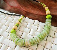Zielony oryginalny naszyjnik z masy perłowej
