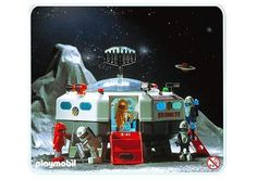 My First Playmobil Set, now in the archives at Playmobil.de Playmobil Space Set from Ours came from a neighbour's garage sale in the late Play Mobile, Vintage Space, Vintage Toys, Childhood Toys, Childhood Memories, Playmobil Sets, Toys For Tots, Space Station, Designer Toys