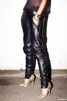 leather boyfriend pants | Backstage accessories | Lauren Marinis 'Gilda' pumps in leopard – here (image: raww)