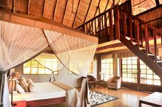 Kafunta River Lodge has 2 luxury suites with private deck, balcony and a large bathroom.