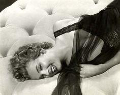 Marilyn Monroe photographer by Slim Aarons, 1952.