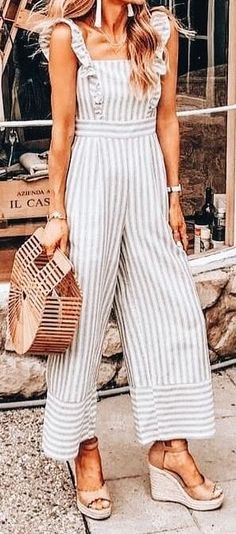 Summer Outfits to Wear Now – The Fashion Castle - Summer Fashion Inspiration - Modetrends Adrette Outfits, Preppy Outfits, Summer Outfits, Fashion Outfits, Fashion Trends, Fashion Inspiration, Mode Shoes, Mode Plus, Elegant Outfit