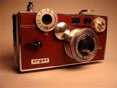Argus | Camera & Photography Forum - Camera-Enthusiast.com Old Cameras, Vintage Cameras, Camera Photography, Fujifilm Instax Mini, Lens, Memories, Appliances, Memoirs, Souvenirs