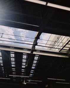 Blink in the dazzling sunlight. iPhone7/Onecam/VSCO  #odakyu #駅のホーム #trainplatform #vscocam #vscocamgram #japan #shotoniPhone #instadiary #shotoniPhone7 #youmobile #ig_japan #instadiary #iphonephotography #instagramjapan #ink361_mobile #ink361_asia #reco_ig #igersjp #mwjp #team_jp_東 #indies_gram #hueart_life #ig_street #streetphotography #写真好きな人と繋がりたい #写真撮ってる人と繋がりたい #スマホ写真部 #iPhone越しの私の世界 #kanagawaphotoclub