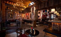 Charleston Lounge