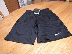 Boys Nike NEW 403942 active shorts Dri fit stay cool youth medium black training