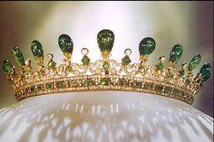 Diamond and emerald tiara of Queen Victoria