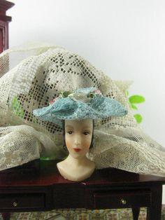 Pale blue lace hat.  dollshouse scale 1:12 di Bluesmini su Etsy