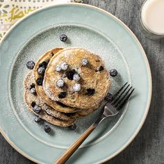 A 40 minute recipe for Vegan Almond Blueberry Pancakes with Almond Breeze. Vegan Blueberry, Blueberry Pancakes, Pancakes And Waffles, Oatmeal Pancakes, Brunch Recipes, Breakfast Recipes, Vegan Recipes, Cooking Recipes, Vegetarian Cooking