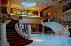 Hotellin aula -- Choo Yut Shing