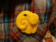 """Купить Брошь """"Желтый Слон"""" - желтый, слон, слоник, брошь ручной работы, валяние из шерсти"""