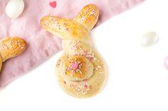 Ostern steht vor der Türe und bei mir hoppeln schon die ersten Häschen auf dem Blog. Hier gibts das Rezept für süßen Osterhasen.