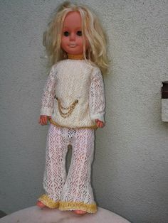 COLLECTIBLE VINTAGE DOLL East Geman DDR/GDR closes eyes and cries, 60 cm height