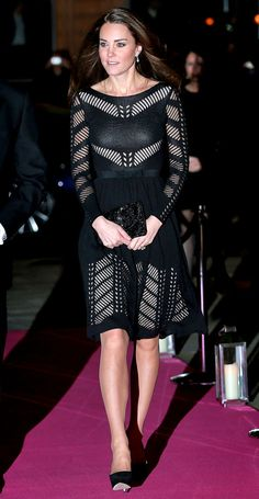 Kate Middleton Photos - Catherine, Duchess of Cambridge attends the Action on Addiction Autumn Gala Evening at L'Anima on October 2014 in London, England. - Kate Middleton at the Action on Addiction Gala Style Kate Middleton, Kate Middleton Outfits, Kate Middleton Photos, Kate Middleton Feet, Dinner Wear, Dinner Outfits, Casual Dinner, Night Outfits, Princess Kate