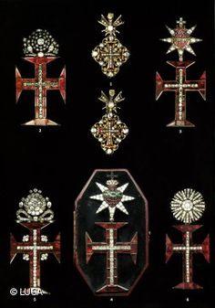 Uma insígnia da Ordem de Cristo decorada com diamantes vai a leilão na quinta-feira em Londres integrada na venda de um conjunto ordens honoríficas e medalhas portuguesas que está a atrair a atenção de coleccionadores privados.