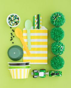 Tractor Party Supplies - Ready to throw the cutest tractor party? We have the best John Deere party supplies to get you started. From coordinating cupcake liners to John Deere inspired sprinkles Tractor Ride. I Shop Sweets & Treats John Deere Party Supplies, Cotton Candy Party, Tractor Birthday, Nerf Party, Epic Party, Creative Gift Wrapping, Wrapping Ideas, Fruit Party, Party Themes