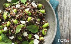 An delicious healthy and super simple summer recipe: quinoa edamame salad. Get it on finedininglovers.com