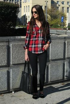 Trends come and go every season, but plaid remains the new black, year-round. An extremely versatile pattern, plaid can be dressed up or down. Plaid Shirt Outfits, Fall Outfits, Fashion Outfits, Outfits Plus Size, Moda Plus Size, Autumn Winter Fashion, Fall Fashion, Stylish Outfits, Passion For Fashion