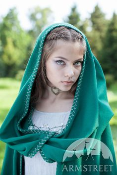 """Fairy Tale"" Woolen Cloak :: by medieval store ArmStreet Cosplay, Silhouette, Middle Age Fashion, Medieval Clothing, Green Wool, How To Make Shorts, Medieval Fantasy, Fantasy Girl, Costume"