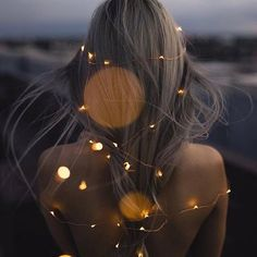 The ultimate #greyhairdontcare not sure how safe the fairy wire is but I reckon I would risk it to look that magical.. don't you?! Please no need to comment any electricians out there #hairinspo #magical #grey #fairylights #lemonadelusts