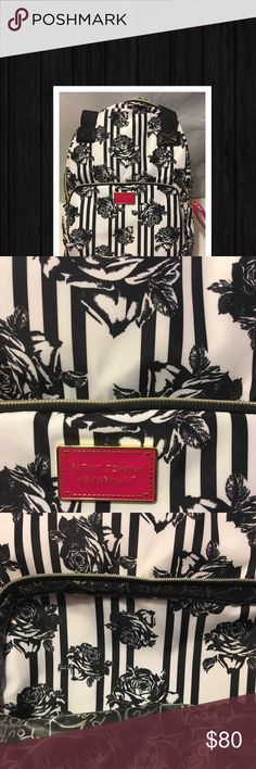 Black white floral Betsey Johnson 2-1 Backpack Black and white Betsey Johnson backpack - gorgeous and hard to find! Make an offer and if I accept, I will lower the price and hopefully you'll get discounted shipping 🌺❤️🌺 See my closet for lots of other Betsey Johnson items! Betsey Johnson Bags Backpacks