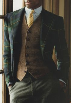 Outfit for men Fashion is a win-win for men. From the most casual Fashion is a win-win for men. From the most casual. Mode Masculine, Sharp Dressed Man, Well Dressed, Mens Fashion Suits, Mens Suits, Suit Men, Blazer En Tweed, Plaid Jacket, Style Costume Homme