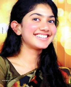Here we present the Maari 2 Heroine Sai Pallavi Latest HD Wallpapers. Sai Pallavi is an Indian film actress who works in Malayalam, Telugu and Tamil films. Cute Celebrities, Indian Celebrities, Indian Film Actress, Indian Actresses, Sai Pallavi Hd Images, Heroine Photos, Saree Photoshoot, Actors Images, Latest Hd Wallpapers