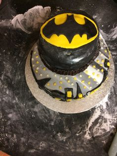 Batman cake! [homemade] #recipes #food #cooking #delicious #foodie #foodrecipes #cook #recipe #health