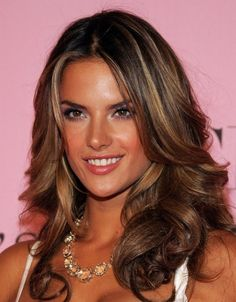 Hairstyle Alessandra Ambrosio Hair Highlights | alessandra ambrosio hair2