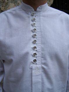 Gents Kurta Design, Boys Kurta Design, Kurta Pajama Men, Kurta Men, Kurti Designs Party Wear, Kurti Neck Designs, Camisa China, Man Dress Design, Mens Traditional Wear