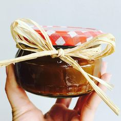 Make your own Christmas gifts! Here is a super cute gift idea -- a jar of homemade salted caramel.