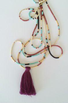 Sautoir chaine multi-rangs avec perles Miyuki et pompon bordeaux