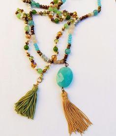 crochet e pietre dure info sapymo Beaded Tassel Necklace, Water Pearls, Tassels, Beads, Crochet, Handmade, Jewelry, Beading, Hand Made