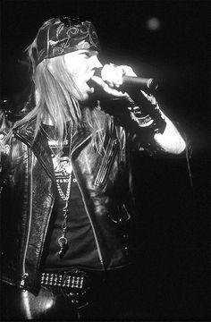 ♡♡♡♡♡♡♡Axl Rose - Guns N' Roses♡♡♡♡♡♡♡ ✨Pinterest: @divapendeja✨
