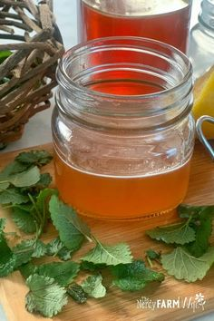 Natural Garden Landscaping Learn how to make a yummy ginger and lemon balm honey syrup to help fight cold and flu bugs.Natural Garden Landscaping Learn how to make a yummy ginger and lemon balm honey syrup to help fight cold and flu bugs. Natural Cough Remedies, Cold Home Remedies, Natural Health Remedies, Herbal Remedies, What Is Ginger, Ginger Benefits, Honey Syrup, Lemon Syrup, Be Natural
