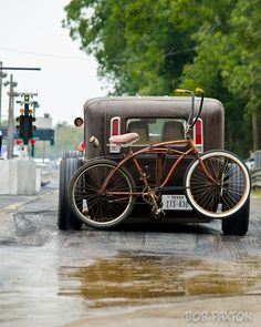 rat rod and bike drag (This would look good riding around Austin right?)