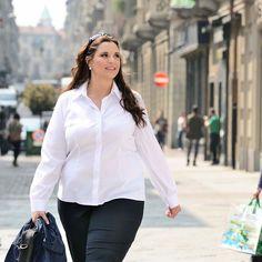 Plus size women's shirt Alba.The model is wearing size IV #plussize #curvy #women #fashion #uebergroessen Damen blusen in Übergrößen