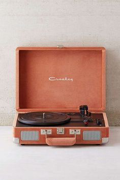 Gift for Him    Holiday Gift Guide 2017    Crosley X UO Velvet Cruiser Bluetooth Record Player
