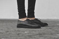 http://www.coutie.com/de/mort-paris-swear-london-m001-black-red-shoes.html