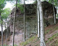 Pilisjárók: Dobogókő sziklabirodalma - a Thirring-sziklák Hungary, Arch, Outdoor Structures, Garden, Plants, Beautiful, Longbow, Garten, Lawn And Garden